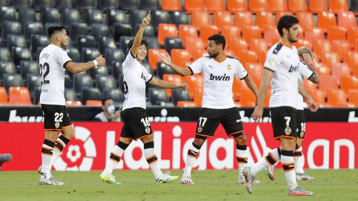 Kang-in Lee celebra el gol al Valladolid.