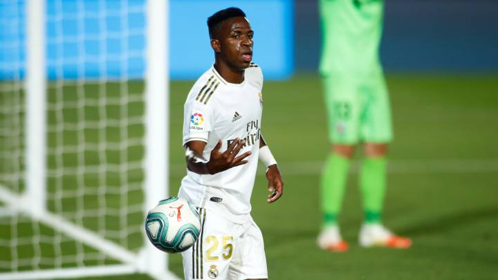 Vinicius tests negative for Covid-19