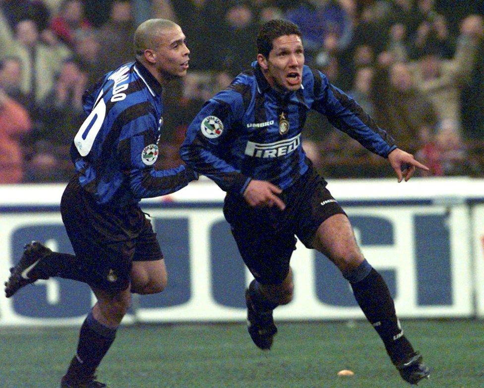 Ronaldo Nazário y Diego Simeone