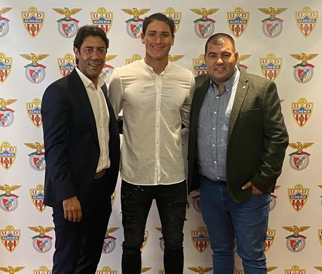 Rui Costa, director deportivo del Benfica; Darwin Núñez; y Edgardo Lasalvia, agente y hombre de confianza del delantero.