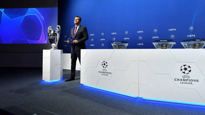 "Host Pedro Pinto delivers a speech during the UEFA Champions League 2019/20 final stage draw ceremony at the UEFA headquarters, on July 10, 2020 in Nyon. (Photo by Harold Cunningham / UEFA / AFP) / RESTRICTED TO EDITORIAL USE - MANDATORY CREDIT ""AFP PHOTO /UEFA/HAROLD CUNNINGHAM"" - NO MARKETING - NO ADVERTISING CAMPAIGNS - DISTRIBUTED AS A SERVICE TO CLIENTS  SORTEO CHAMPIONS LEAGUE FASE FINAL  CORONAVIRUS COVID19 PUBLICADA 11/07/20 NA MA10 5COL"