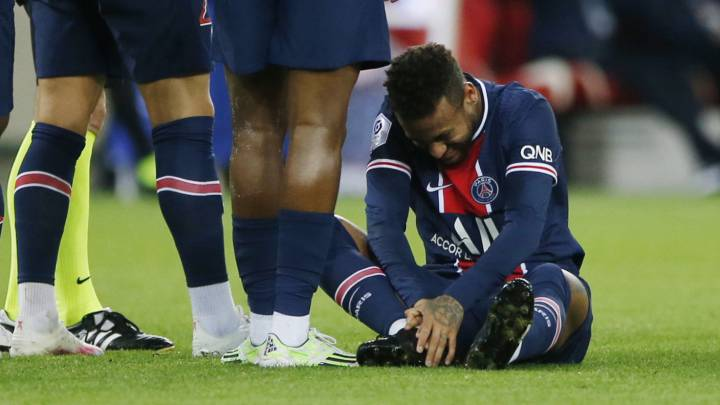 Neymar could be out of Ligue 1 action until 2021