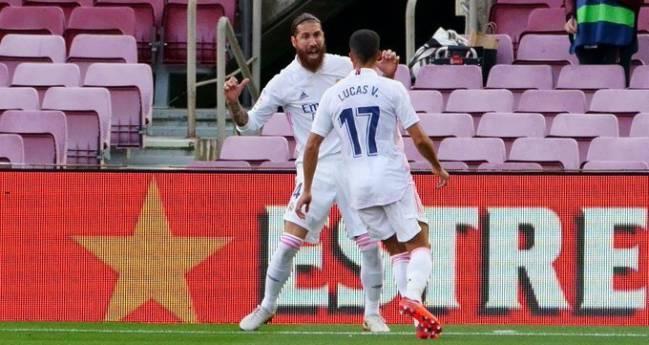 Lucas Vázquez y Sergio Ramos.