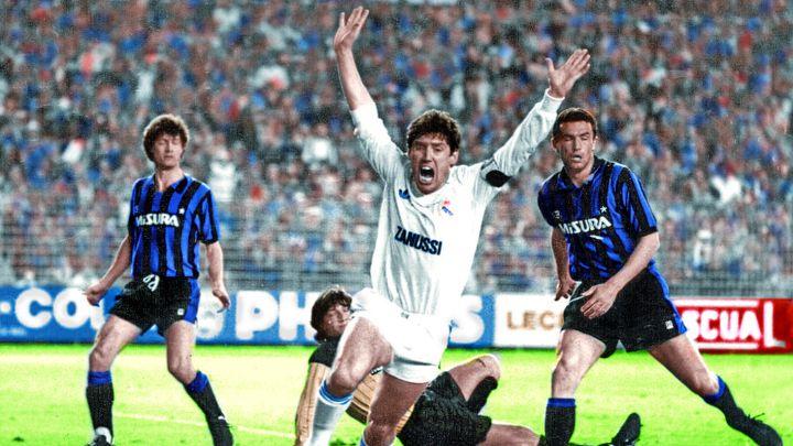 Santillana, tras marcar en el 3-0 del Real Madrid al Inter en mayo de 1985.