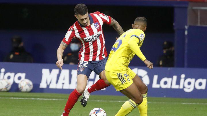 Mario Hermoso durante el partido contra el Cádiz.