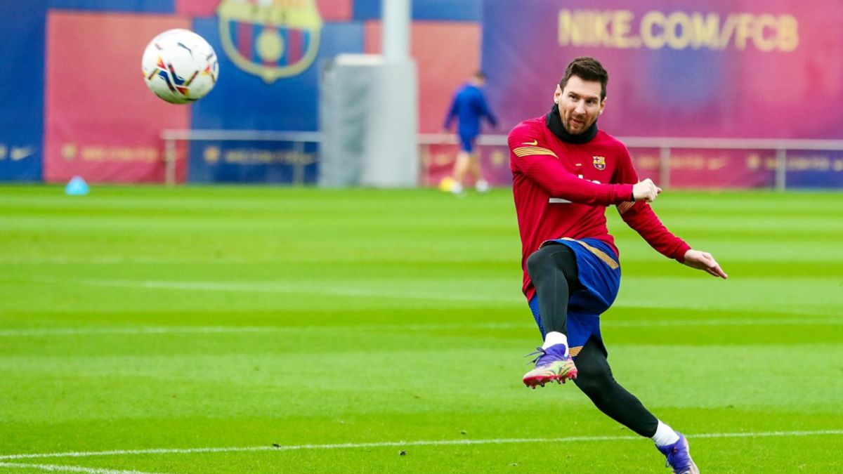 Messi prepares for Cádiz game before Barça teammates - AS English