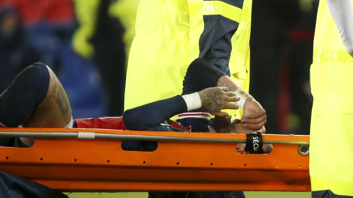 Neymar escapes serious injury