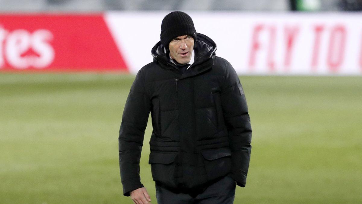 Zidane tiene una duda en el lado derecho