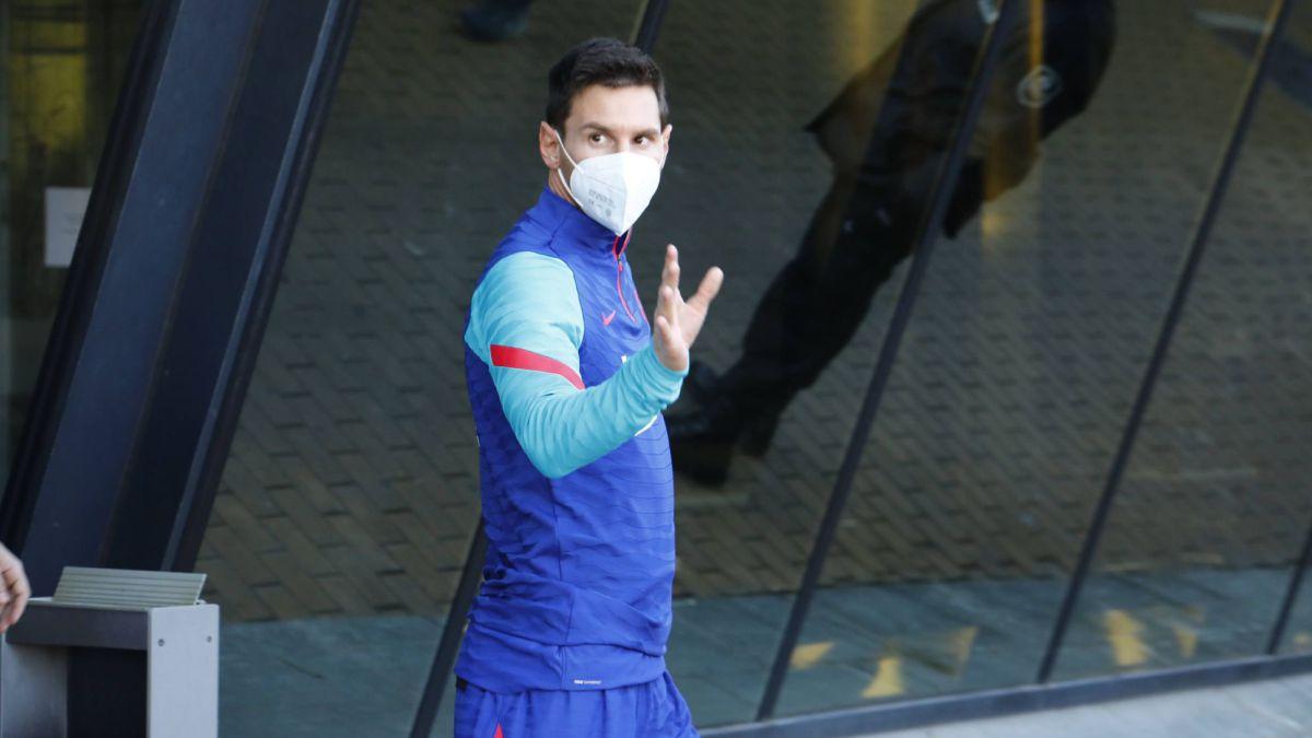 Messi conditions Koeman