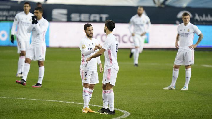 Los jugadores del Real Madrid, en el partido de semifinales de la Supercopa de España contra el Athletic.