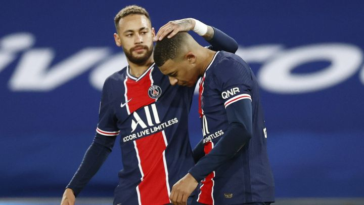 "Neymar: ""I'm staying at PSG and hopefully Mbappé will too"""