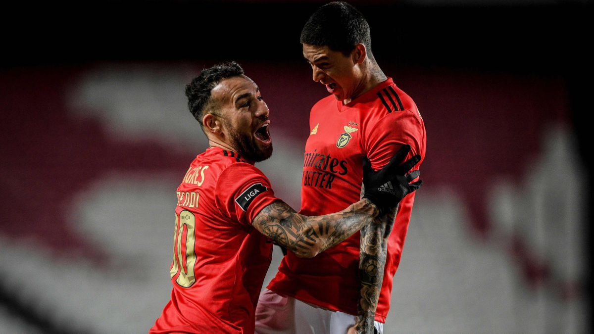 Darwin puts Benfica one foot in the final