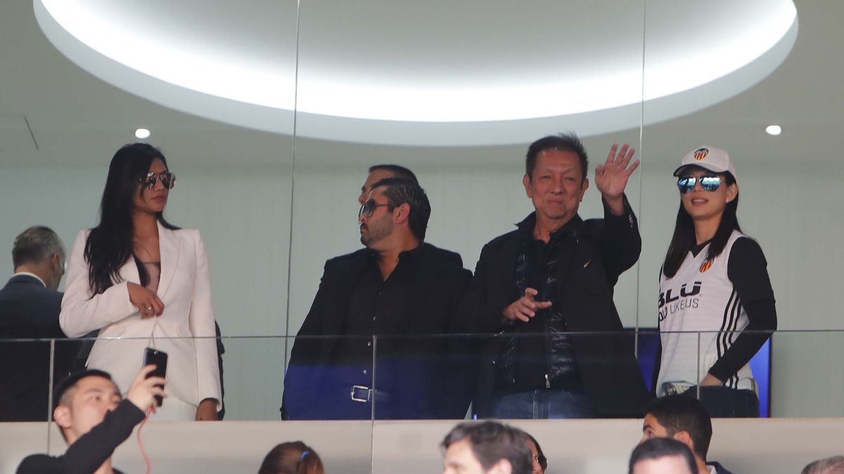 Anil Murthy comes out of Quarantine for a day in Singapore with Peter Lim