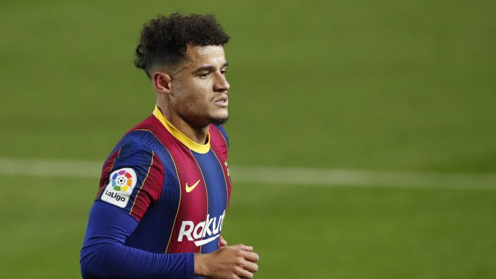 Problems for Coutinho: his injured left knee is still swollen