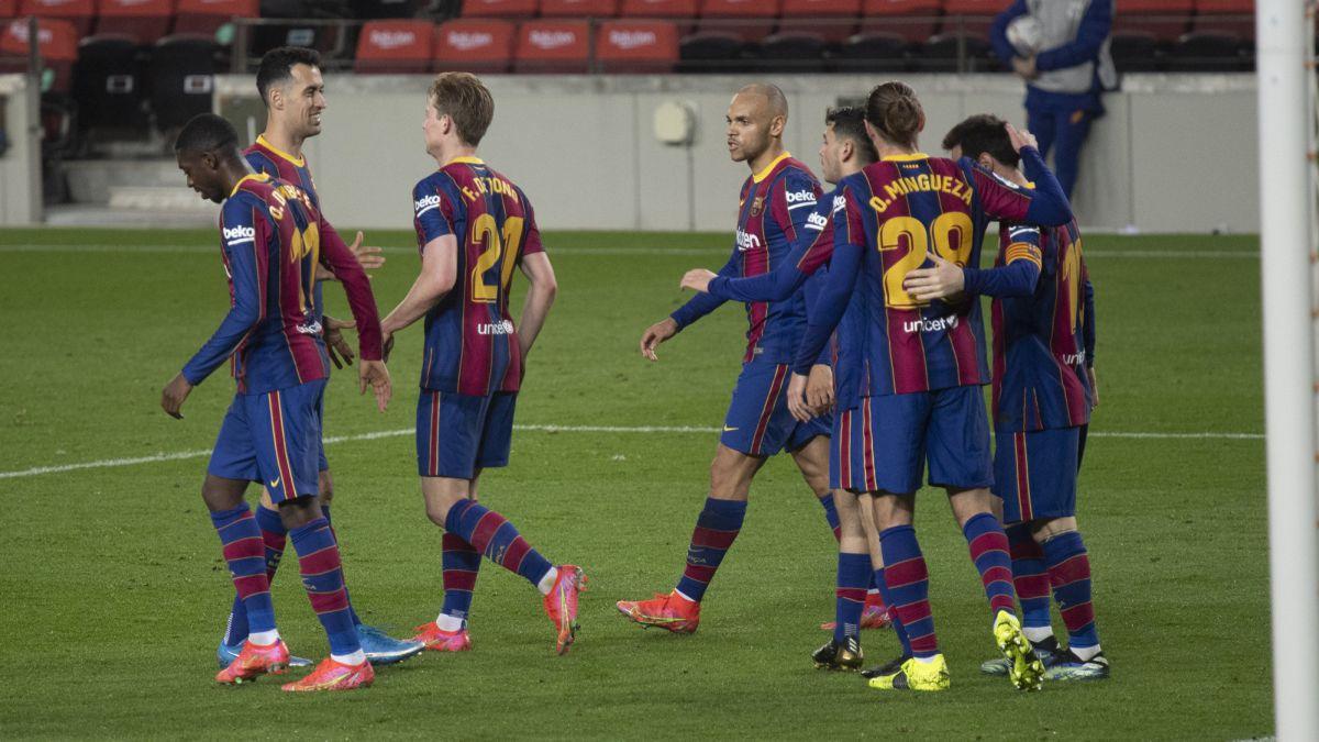 Messi tira del Barça