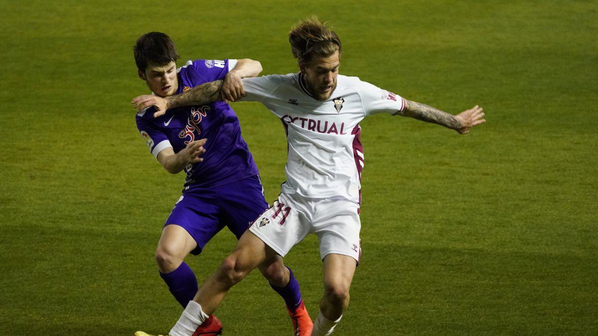Descanso: empate a goles anulados en Sabadell