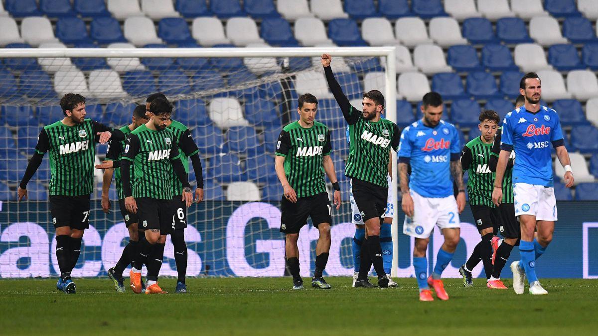El Nápoles vuelve a tirar puntos