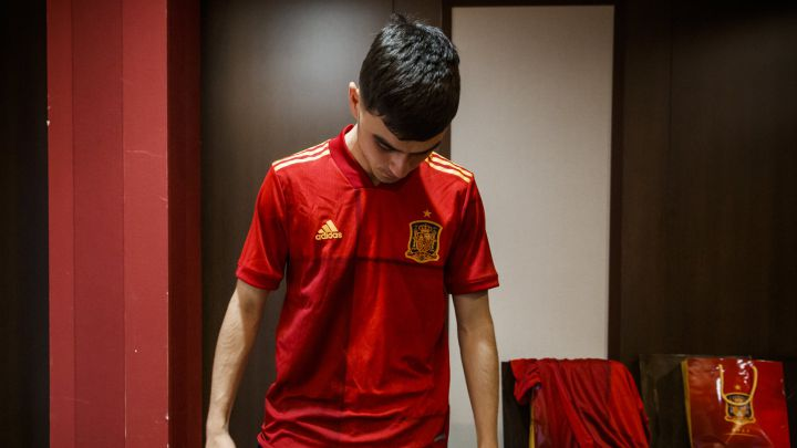 Spain's young stars handed their squad numbers
