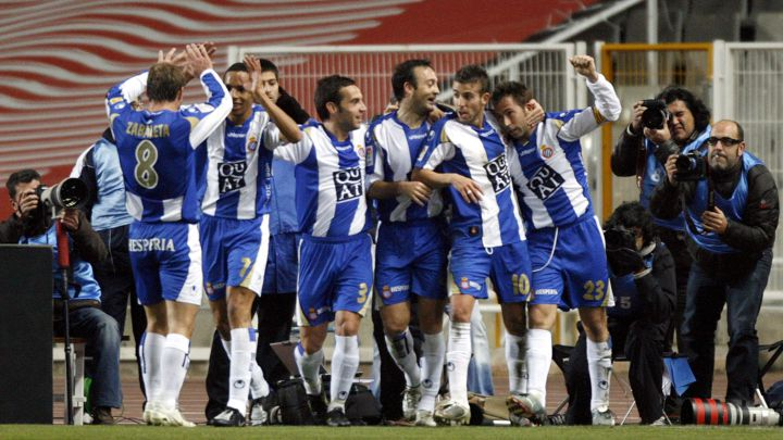 Espanyol's players celebrate their third goal against Villarreal
