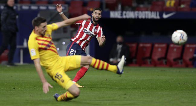 Así marcó Carrasco en el Atlético-Barça.