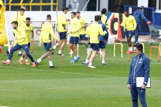 Emery, entrenando al Villarreal.