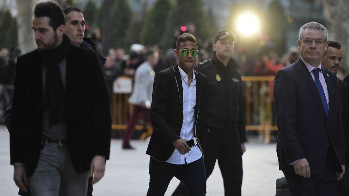 Neymar y el Barça buscan la paz