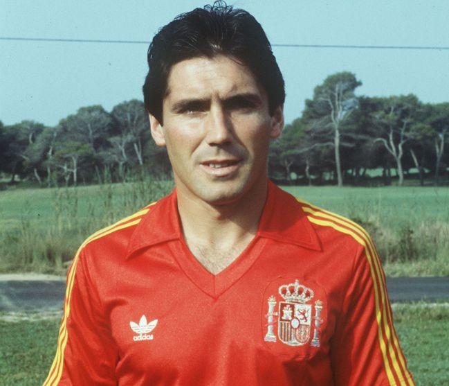 Santillana, with the National Team.