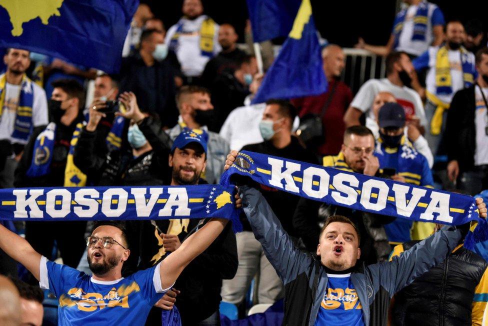 Aficionados de la selección de Kosovo.