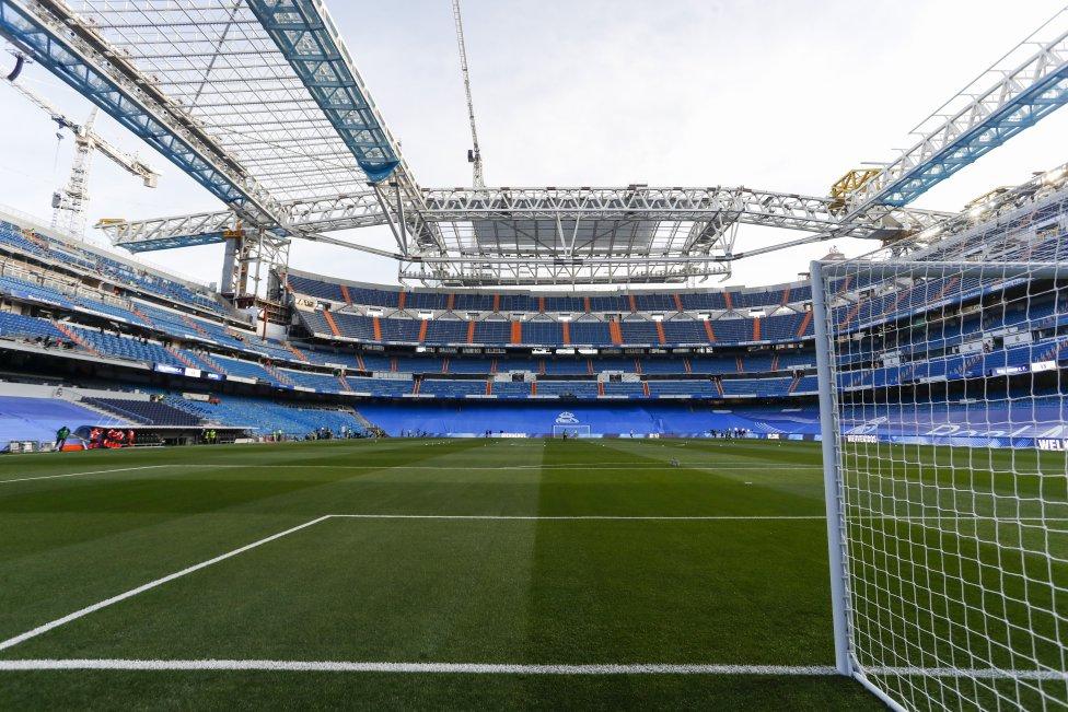 Así está el aspecto del Santiago Bernabéu el día de su reestreno.