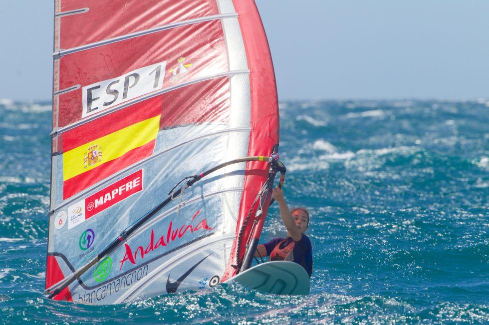 La sevillana Blanca Manchón, cuarta en la clase RS:X - AS.com