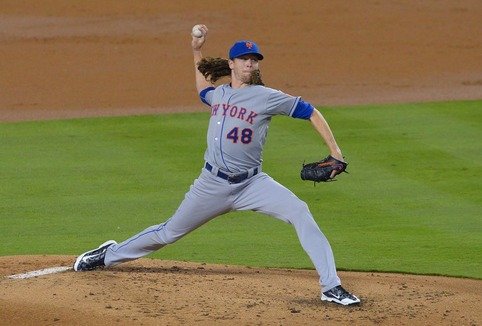 Jacob deGrom supera a Kershaw y adelanta a los Mets
