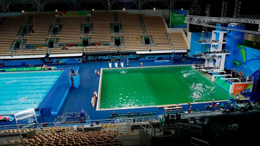 Juegos ol mpicos por qu el agua de la piscina en el for Trampolin para piscina