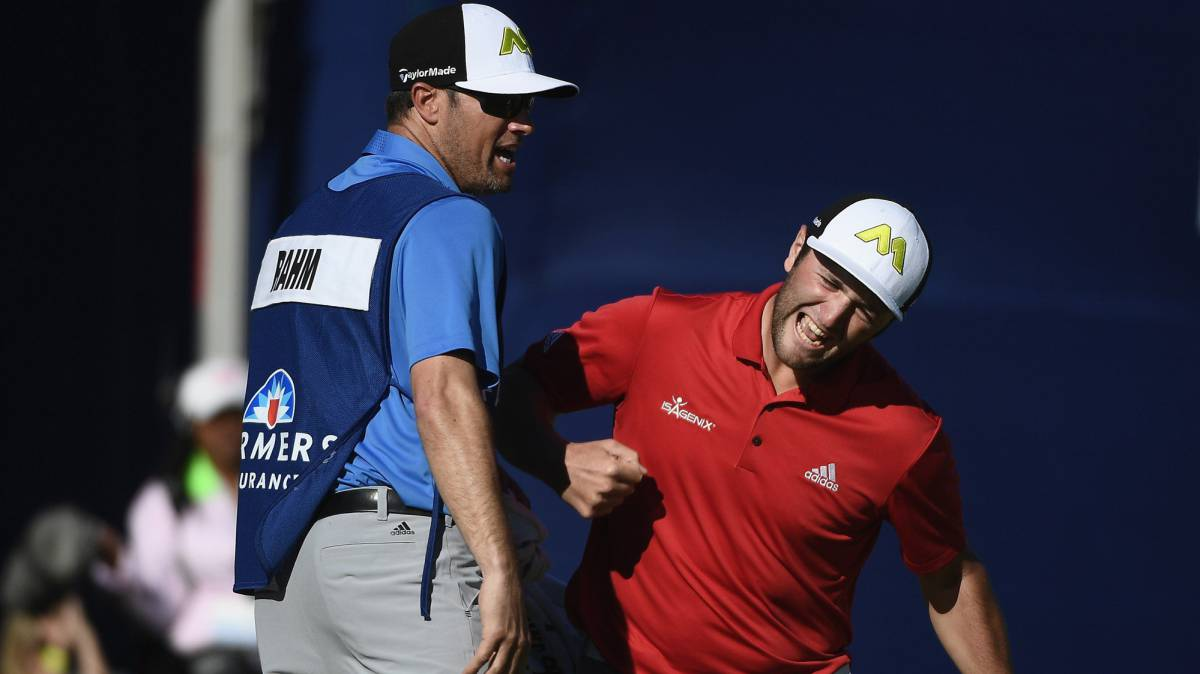 Jon Rahm celebrando su eagle en la final del Farmers Insurance Open.