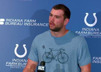 Andrew Luck sigue sin lanzar balones de football