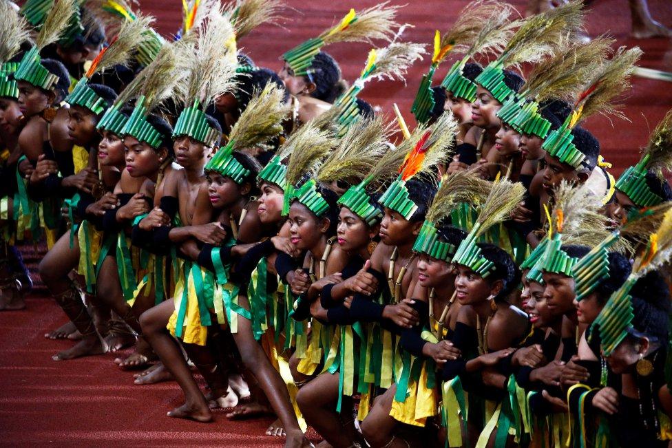 Bailarines durante la ceremonia de clausura de los Juegos del Sudeste Asiático (SEA) 2019 en el New Clark City Athletics Stadium cerca de Capas, Filipinas.