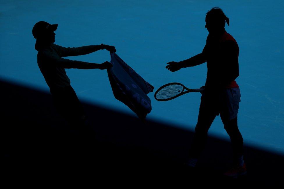 Curiosa imagen de Rafa Nadal durante el Abierto de Australia de tenis.