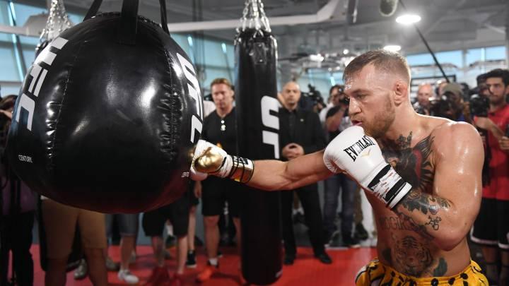 El manager de McGregor habla de otro posible combate de boxeo.