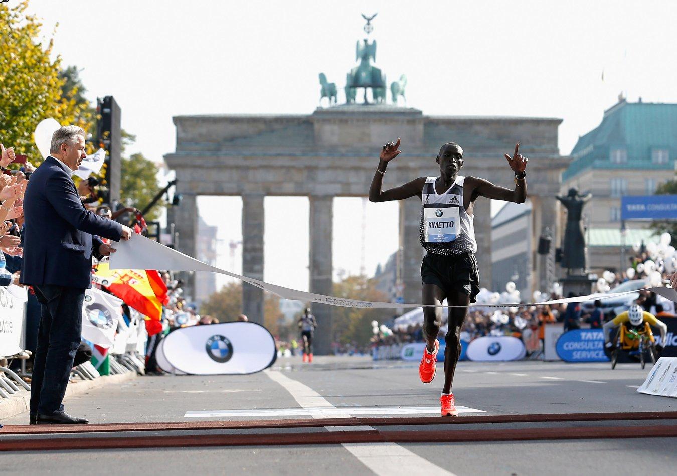 5. Dennis Kimetto, 2h 02:57 (Berlino, 2014)