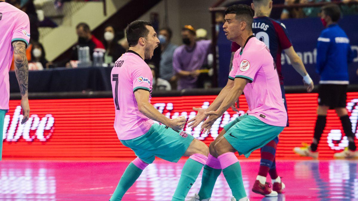 El Levante gana en el Palau pero el Barça salva el matchball y todo se decidirá en Barcelona