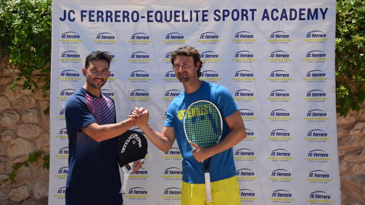 Sanyo Gutiérrez and Juan Carlos Ferrero, during the presentation of the first International Professional Paddle Academy at the JC Ferrero-Equelite Academy.