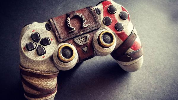 Diseñan un espectacular DualShock 4 de God of War