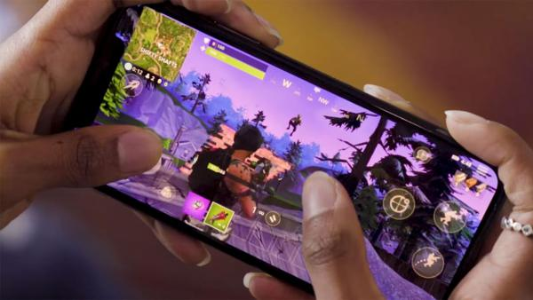 Fortnite Mobile te pide que no juegues en clase
