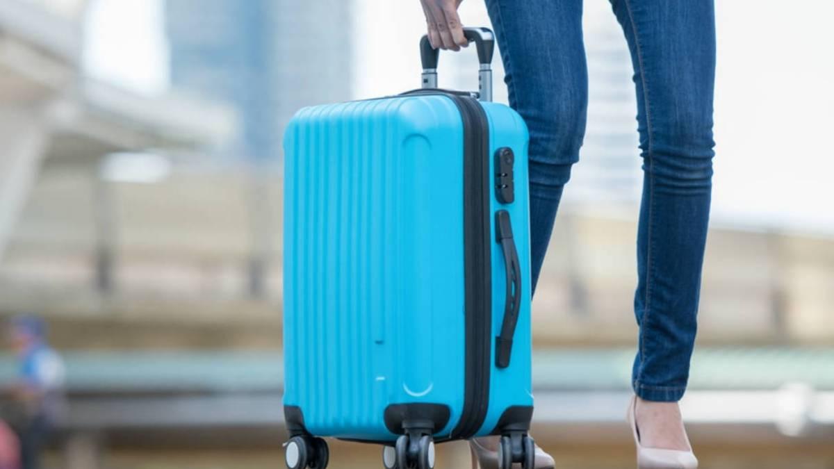 muestra Tropical cómo  Cómo medir la maleta con el móvil para evitar que la facturen - AS.com