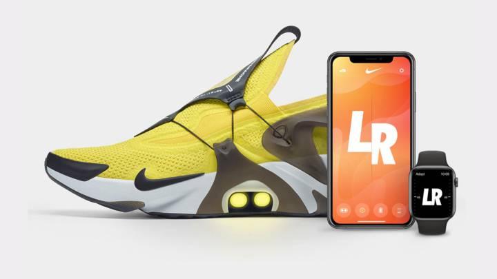 Volver a llamar Bourgeon Antecedente  Las zapatillas Nike con robocordones que se atan por voz con Siri - AS.com