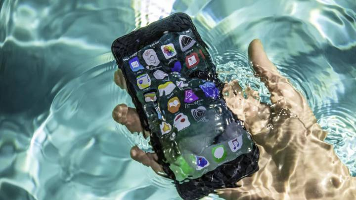 What to do if the iPhone alerts you that it has liquid inside