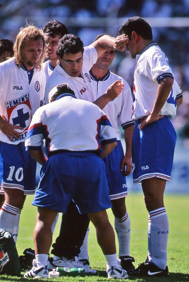 fbd1a1602b3 Qué fue de los campeones de Cruz Azul en 1997  - AS México