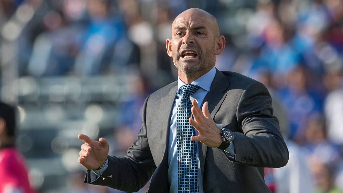 Paco Jémez sees red during Cruz Azul friendly