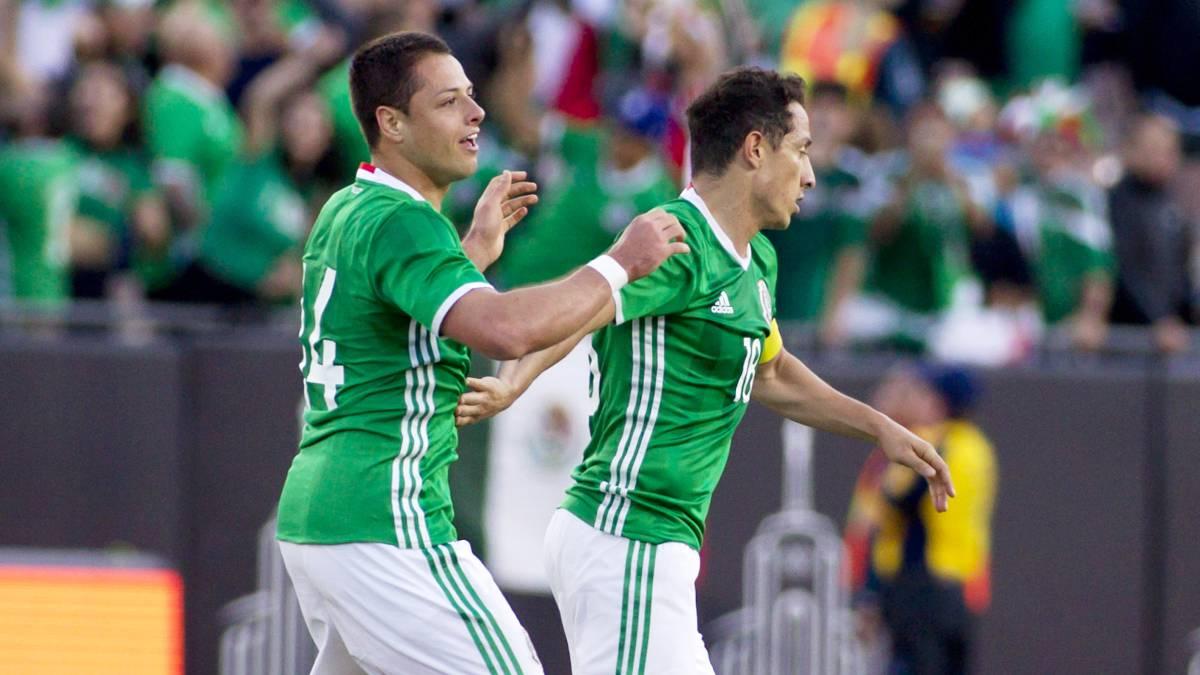Chicharito supera a Jared Borgetti como máximo goleador de ...