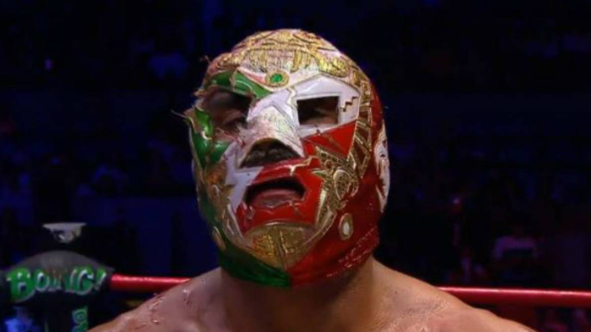 Dr. Wagner Jr. es despojado de su máscara por Psycho Clown - AS México