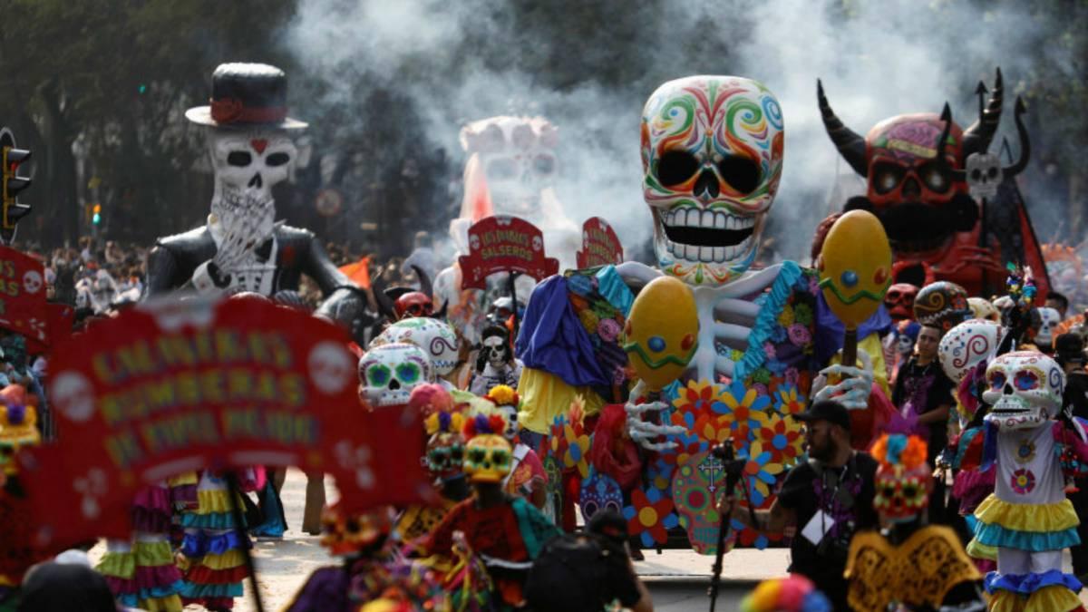 desfile del dia de muertos